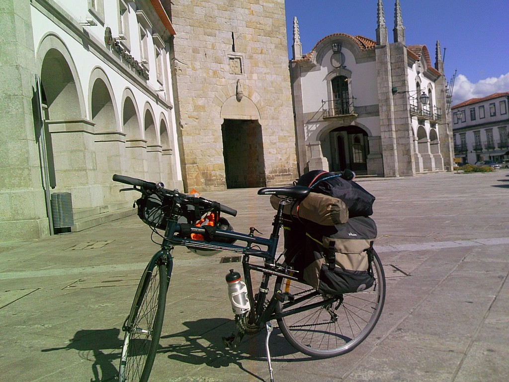 Montague Navigator folding bike tour of Italy