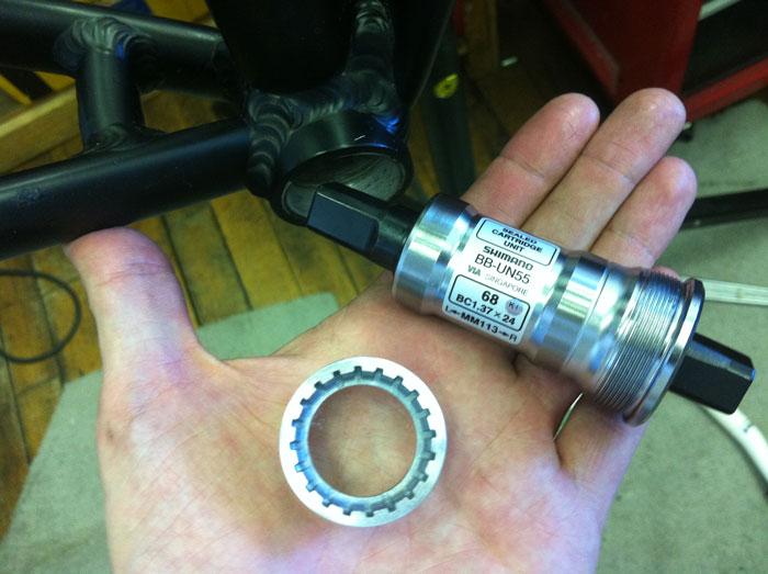 Shimano BB-UN55 Square Taper Bike Bottom Bracket Italian 70mm x 118mm