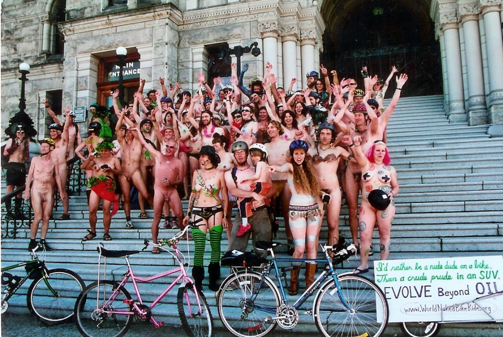 worldnaked group picture- people.tribe.net