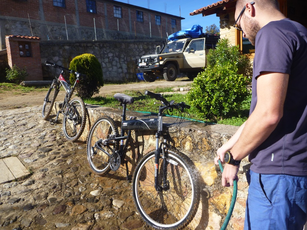 CLEANING BIKES 3