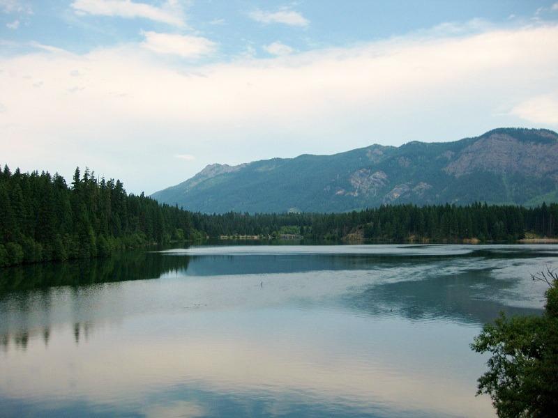 Trip through lakes with folding bike