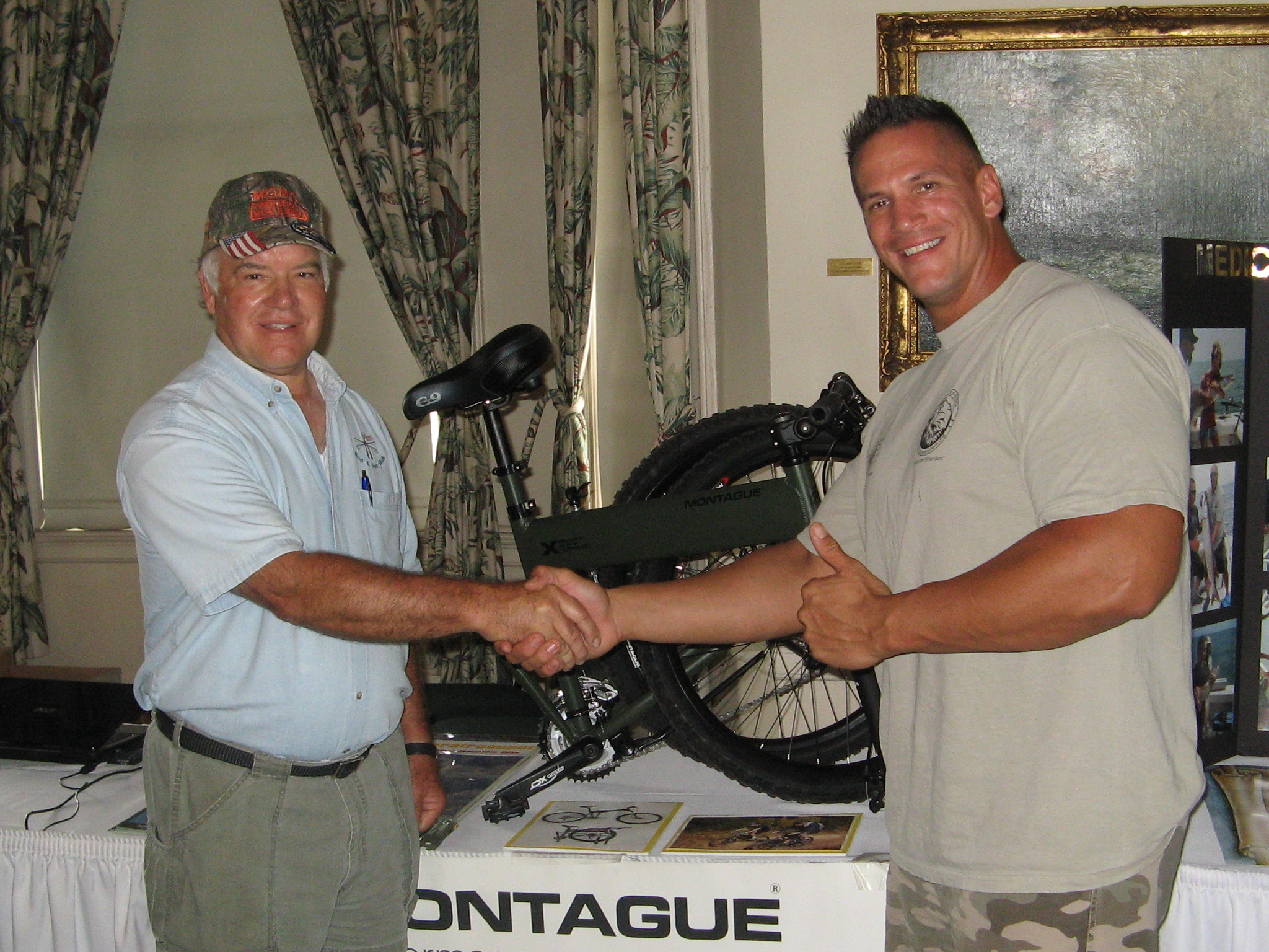 Montague folding bike for the operation injured soldiers