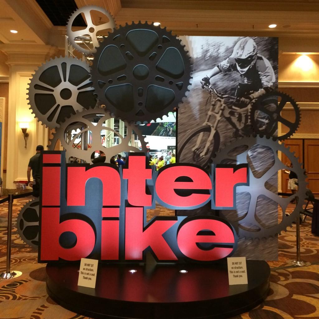 montague_folding_bike_interbike_13CROP