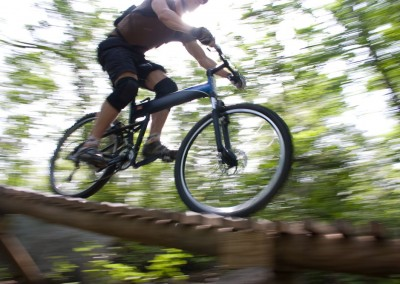 Montague X90 folding mountain bike riding small bridge