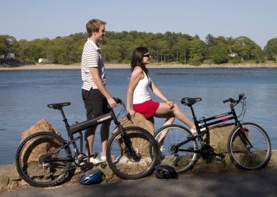 dx and lx folding bikes by river