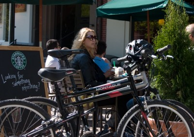 tx and dx folding bikes at cafe