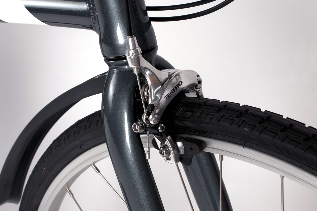 Urban-brake-caliper-and-fender-closeup