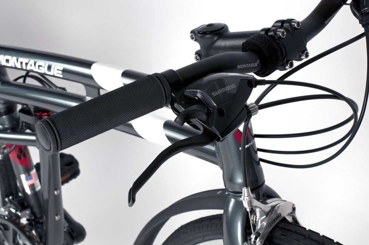 Montague Urban handlebar and levers closeup