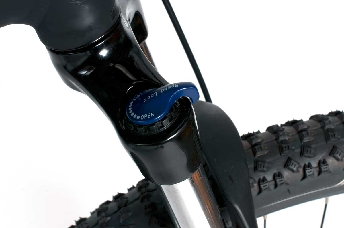 Montague Paratrooper PRO fork lockout closeup
