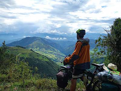 Desde Lejos – Touring Central America on Montagues