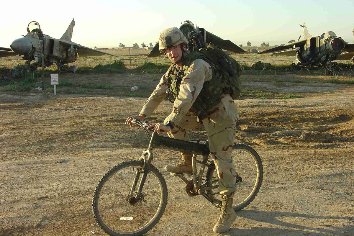 Montague Paratrooper Folding Bike with Military Personnel